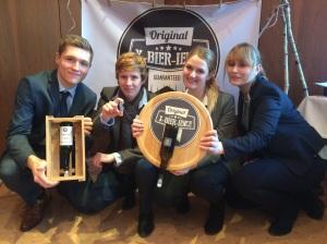 Das Team von X-Bier-ience, Gewinner des Marketingpreises des Projektes 5 Euro StartUp der htw saar